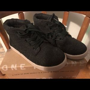 Brand New Toms Mid Top Dk Grey Toddler 12